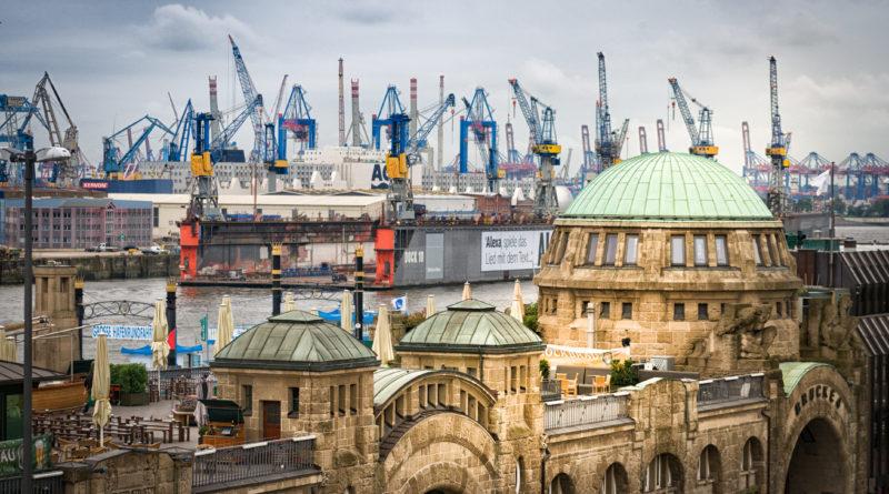 Die St. Pauli Landungsbrücken
